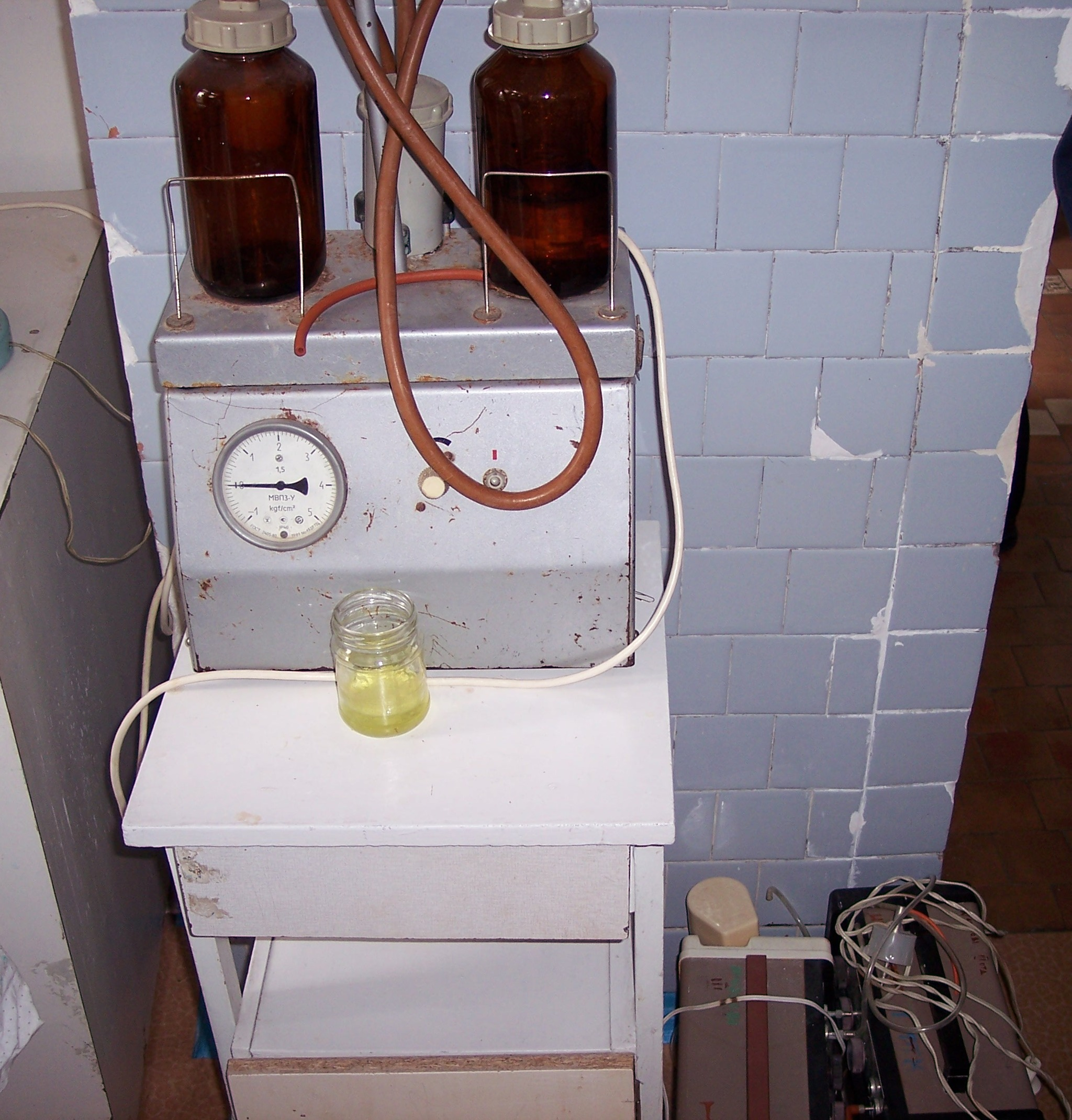 breathing treatment machine for